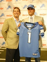 Detroit Lions Head Coach Jim Schwartz, left, and Number One pick over all  QB Matthew Stafford, during a photo opportunity and press conference at their Practice Facility in Allen, Park, MI  on Sunday April 26, 2009. JULIAN H. GONZALEZ/Detroit Free Press