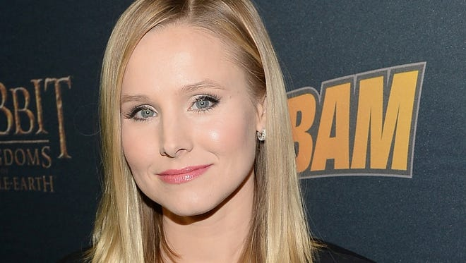 """Actress Kristen Bell is the featured guest on new Straight No Chaser single """"Text Me Merry Christmas."""""""