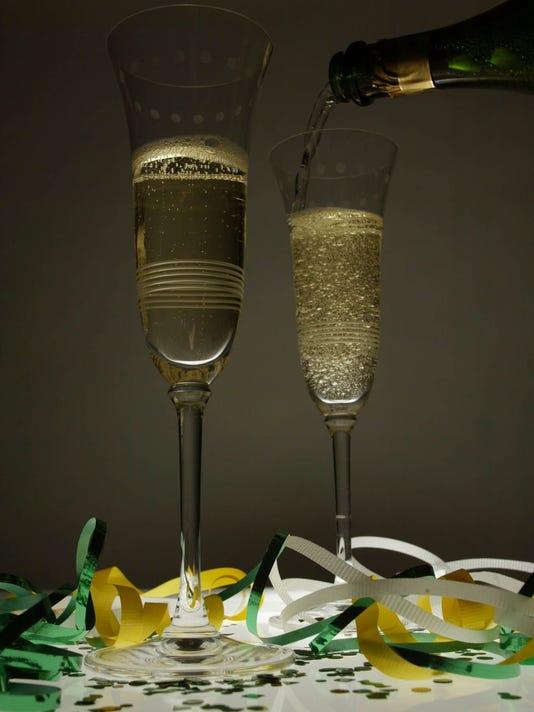 635869179528946265-Champagne.jpg