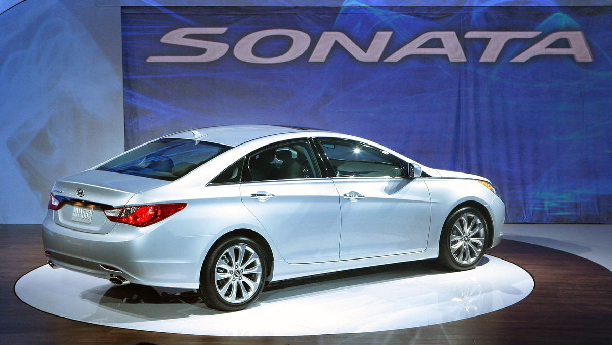 Hyundai Recalls 470 000 Sonatas To Fix Engine Problem