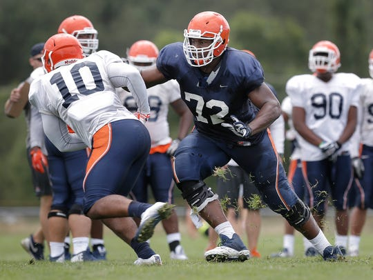 UTEP offensive lineman Jerrod Brooks (72) blocks linebacker