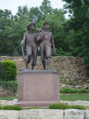 Huckleberry Finn and Tom Sawyer statue