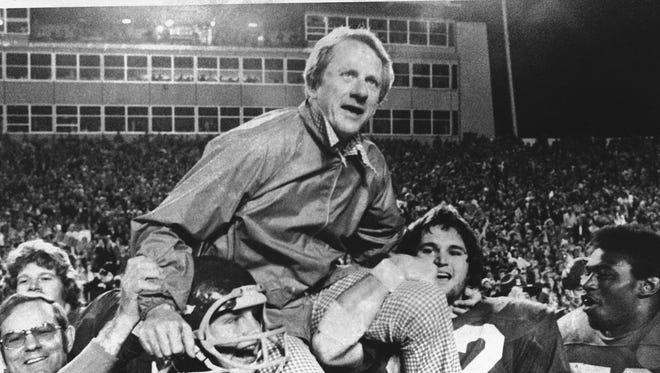 """Frank Broyles was a godsend in my life,"" said former Arkansas basketball player Dean Tolson."