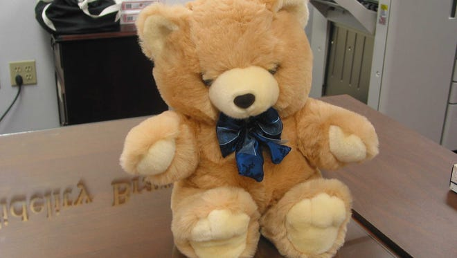 Drop off teddy bears at the Vero Beach Yacht Club for IRMC's Emergency Department.