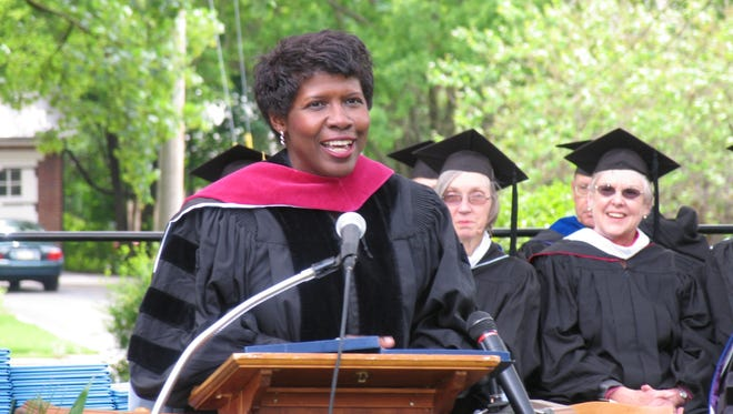 Gwen Ifill speaks at the Wilson College Commencement in 2006.