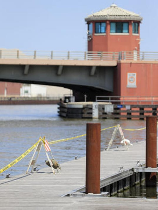 Green bay lifted mooring ban before ship destroyed boat in for Hagemeister park