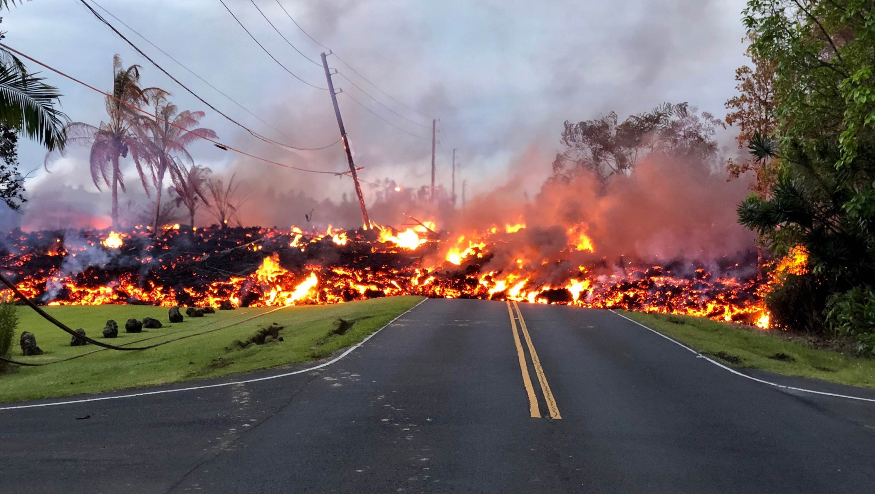 Hawaii Volcano  Helicopter Rescues Trapped Residents As