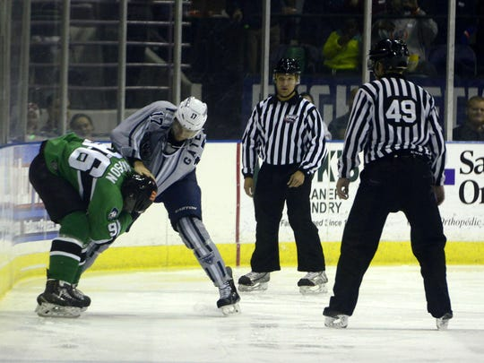 Ice Flyers vs Ice Gators