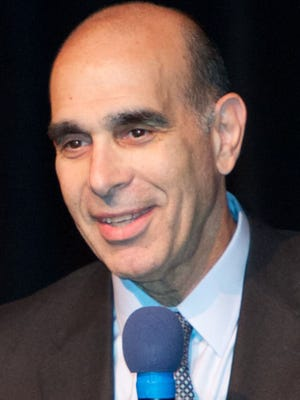 Larry Fine will step down as executive director of the Jewish Federation of Greater Rochester after 27 years at the helm.