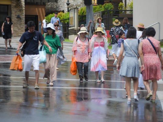 636379274337983472-Tourists-03.JPG
