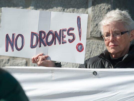 -BUR 1011 peace drone C3.jpg_20121011.jpg