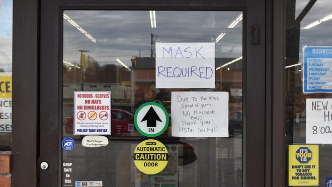 Businesses have the ability to refuse service to people who refuse to wear a mask in their establishments.