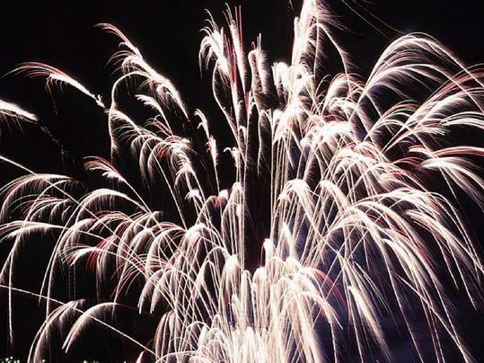 -Fireworks c.jpg_20060702.jpg