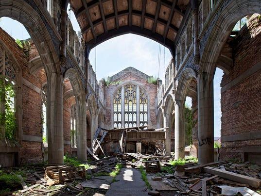 Abandoned America church photo-18.jpg