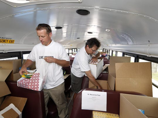 -Stuff the Bus 2.jpg_20130801.jpg