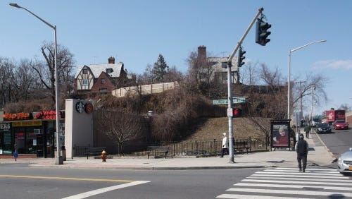 New York is auctioning a vacant lot with a rock outcropping at Bronx River Road and Midland Avenue.