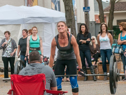 Stephanie Garrett of Canton Township deadlifts over