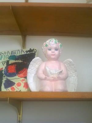 Image of the stolen urn.