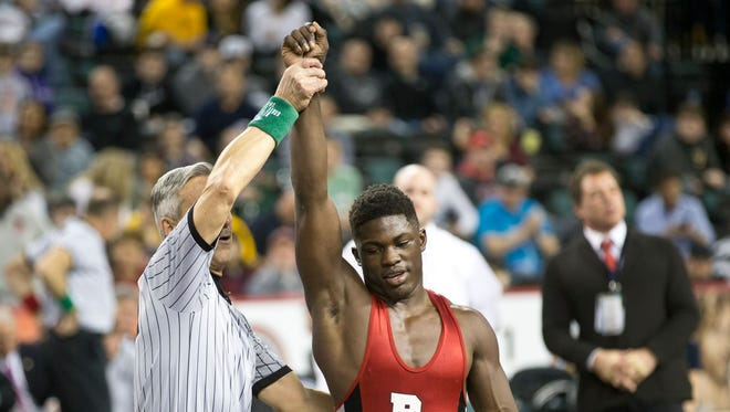 Bound Brook's Stephan Glasgow  vs Toms River East's Andrew Meyers in 152 lbs bout at NJSIAA State Wrestling Tournament Final in Atlantic City, NJ on March 6, 2016