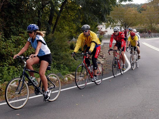 A past Ride of Silence passing from Nyack to Piermont Pier.