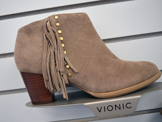 Milwaukee-area footwear chain Stan's Fit For Your Feet will open a store in Brookfield selling Vionic shoes.