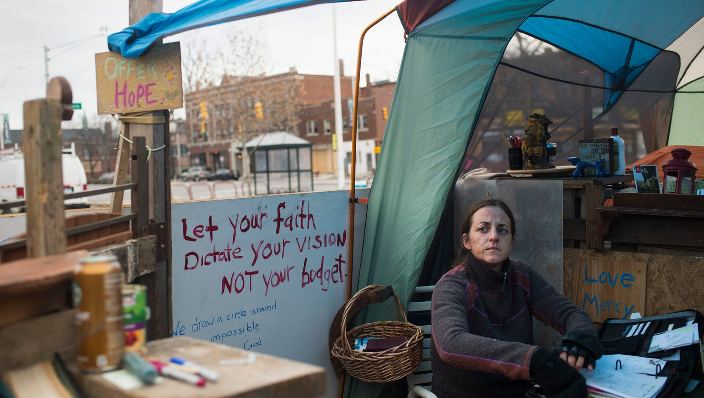 'Homeless' lawyer camps out in shack on East Jefferson in bid to help clients