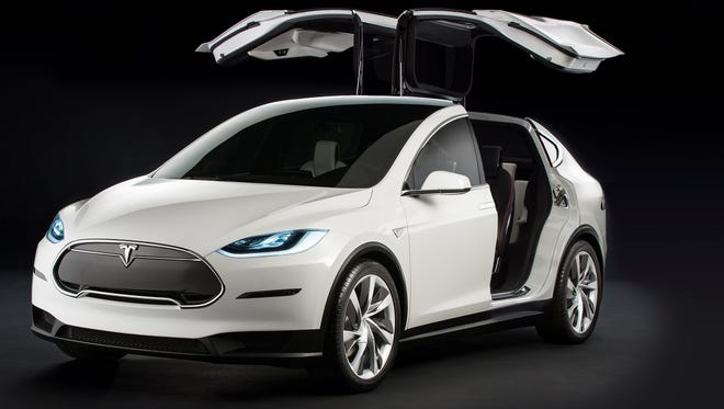Tesla's Model X will be priced $5 more than the Model S sedan, Elon Musk says in a tweet.