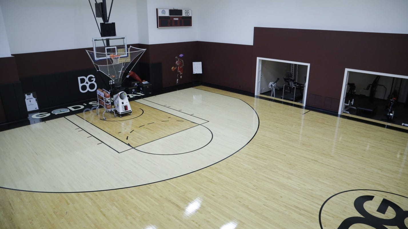 house envy ex piston u0027s mansion has indoor hoops court