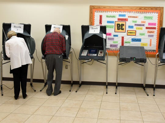 Voters at Deane Hill Recreation Center in the Knoxville city elections Tuesday, Nov. 7, 2017.
