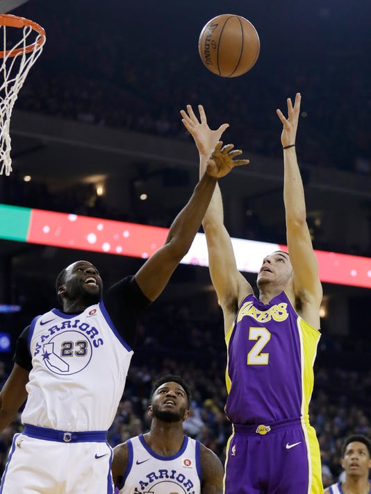 ab9dd0ea6f68 Golden State Warriors forward Draymond Green (23) and Los Angeles Lakers  guard Lonzo Ball