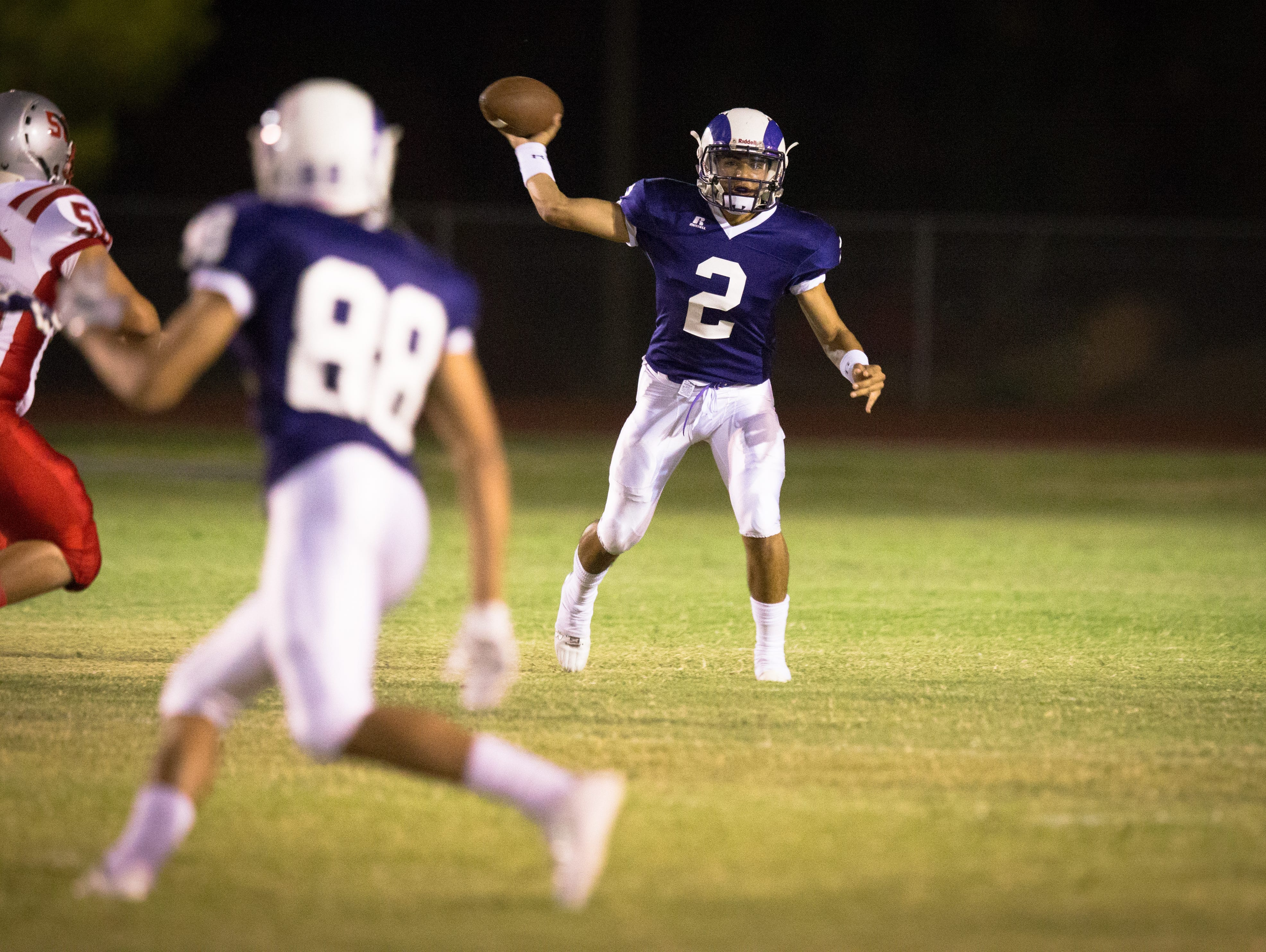 Amendarez set two single-game state records for passing yardage (756) and touchdown passes (10) in a 96-74 Division III loss to Avondale Agua Fria.