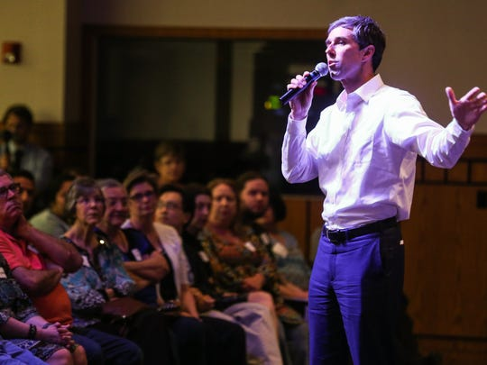 Congressman Beto O'Rourke speaks to a large crowd during a town hall meeting Friday, April 27, 2018, at CJ Davidson Conference Center.