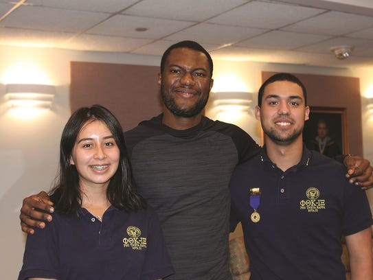 From left, Union's PTK President Gissella Gamboa, PTK