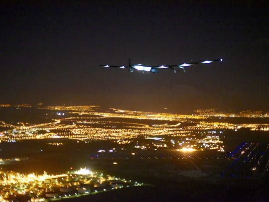 The Solar Impulse 2 approaches Hawaii with Andre Borschberg