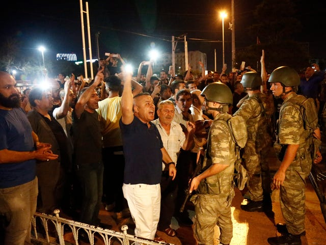 Reports: At least 90 dead in attempted Turkish coup