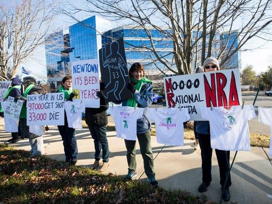 EPA USA PROTEST NRA GUNS POL CITIZENS INITIATIVE & RECALL USA VA
