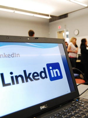 A computer shows a LinkedIn graphic at a social media workshop at the University of Minnesota in Minneapolis.