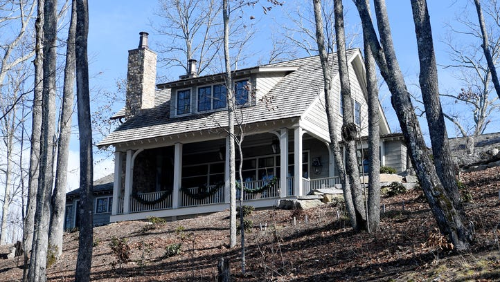 Home of the Week: Mountain views from sunrise to sunset