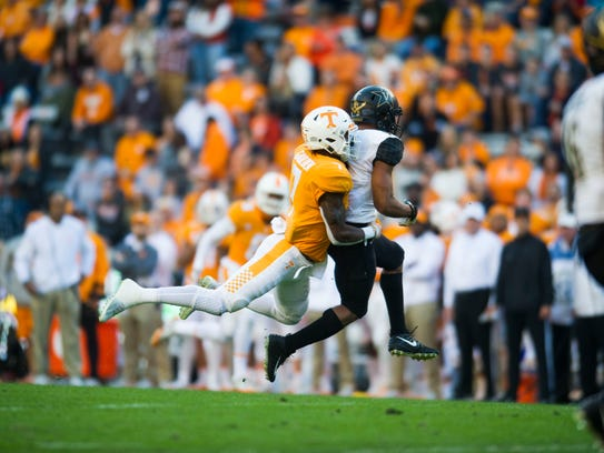 Tennessee defensive back Rashaan Gaulden (7) takes