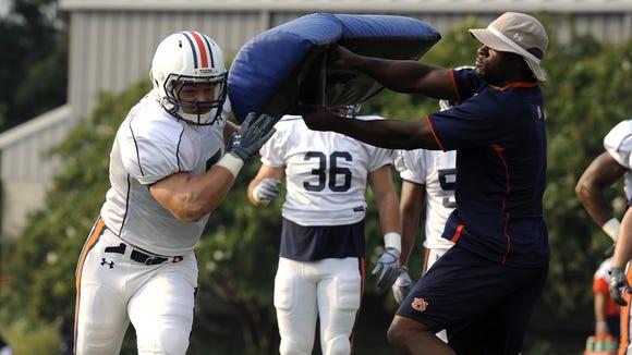 Auburn promoted linebackers coach Travis Williams a