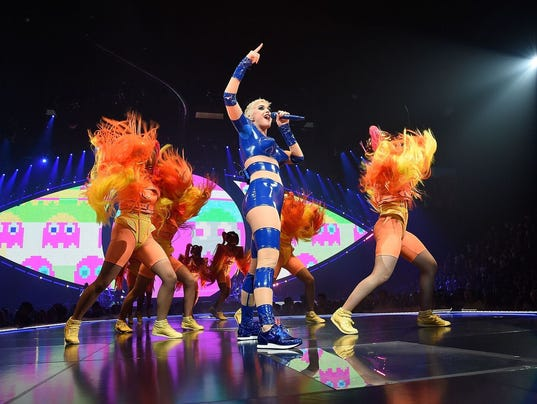 636432250995768349-Katy-Perry-Tour-2017-6-by-Kevin-Mazur---Getty.JPG