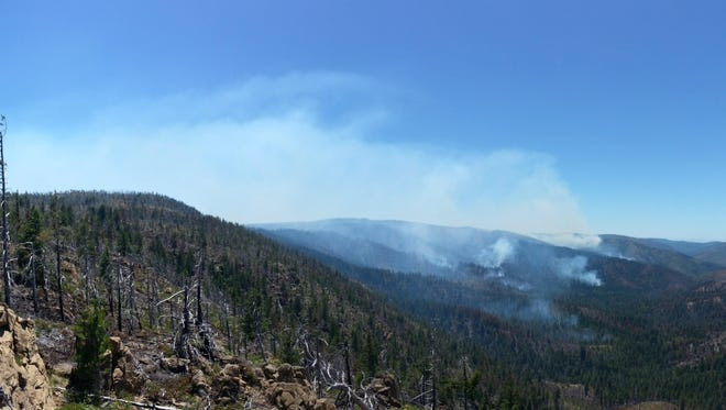 Northeast looking south on Buckskin Fire.