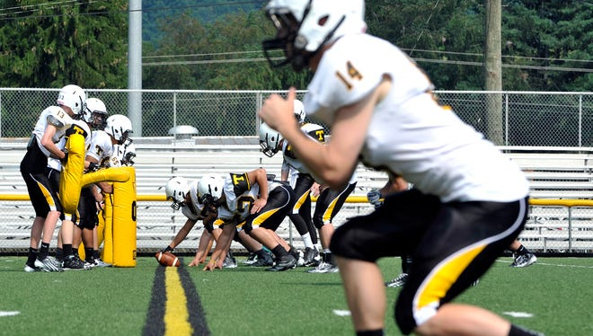 Tuscola travels to North Henderson on Friday.