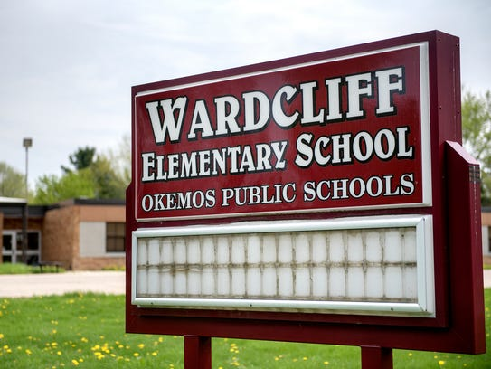 The sign out front of the closed Wardcliff Elementary