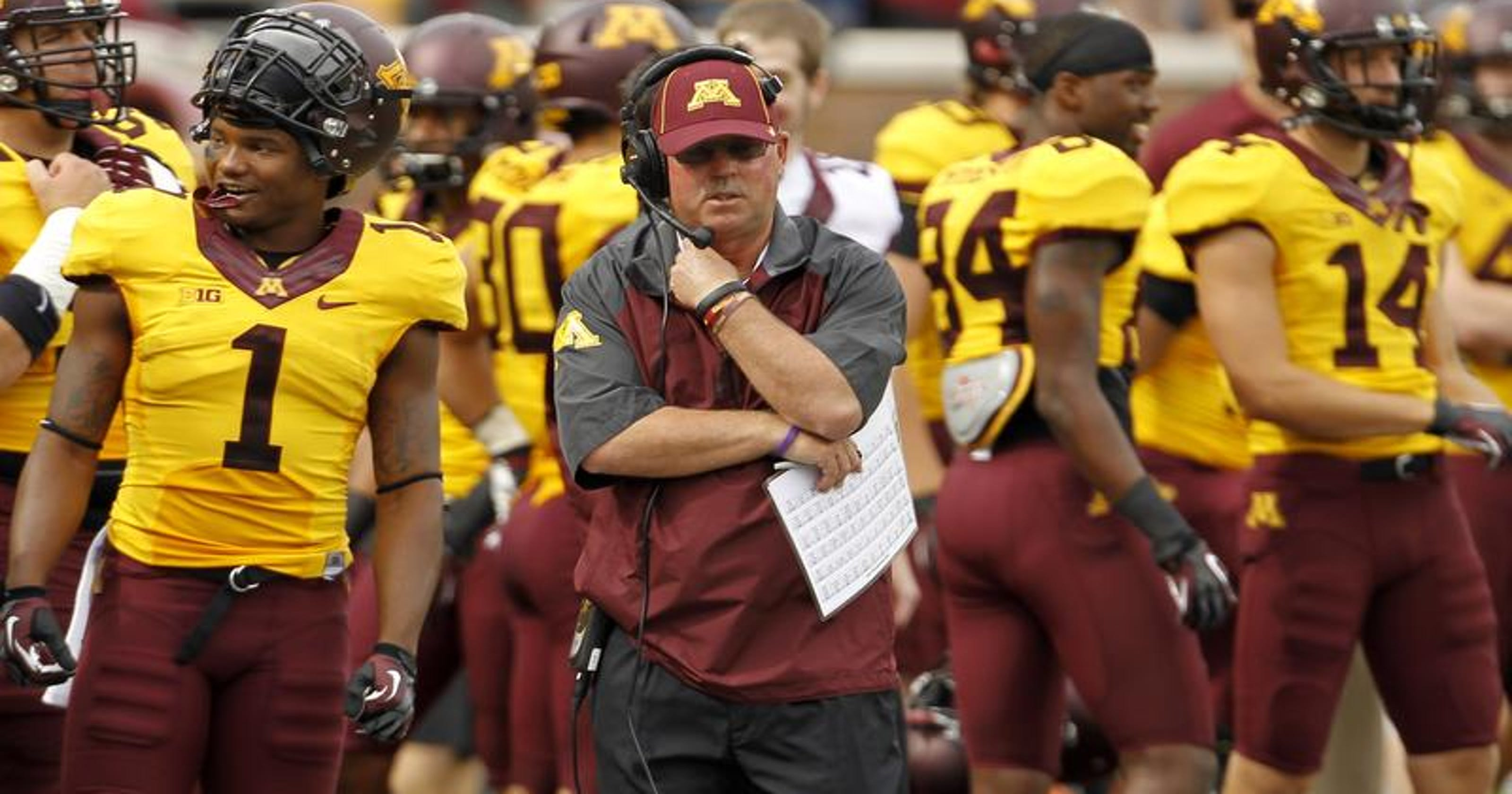 Minnesota AD has '100 percent' confidence in Gophers football coach