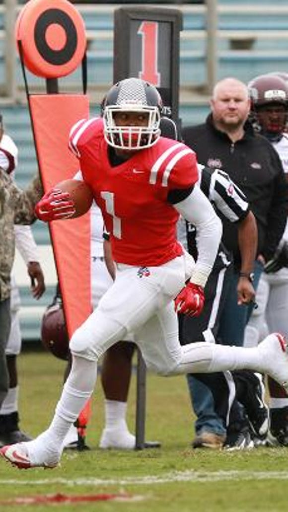 Itawamba Community College tailback Octavius Matthews, who is rated the nation's No. 1 junior college tailback according to 247Sports.com, verbally committed to Auburn Sunday.