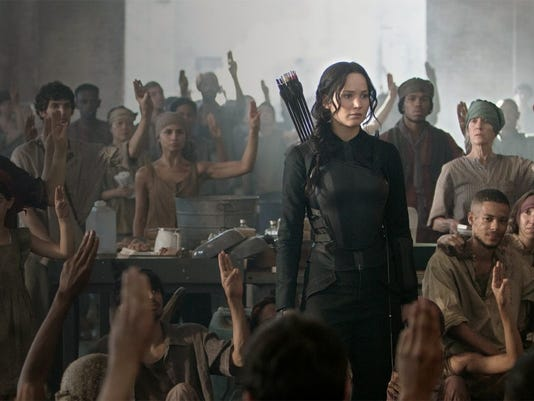 The-Hunger-Games-Mockingjay-Part-1-Katniss-in-District-13-1024x614.jpg