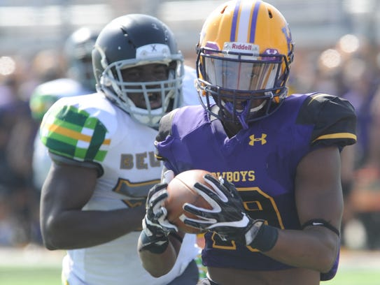 HSU's Breon Simmons hauls in a 38-yard touchdown catch