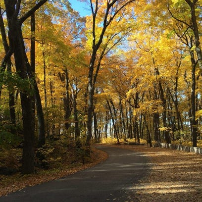 Beautiful drives lead you into Devil's Lake State Park
