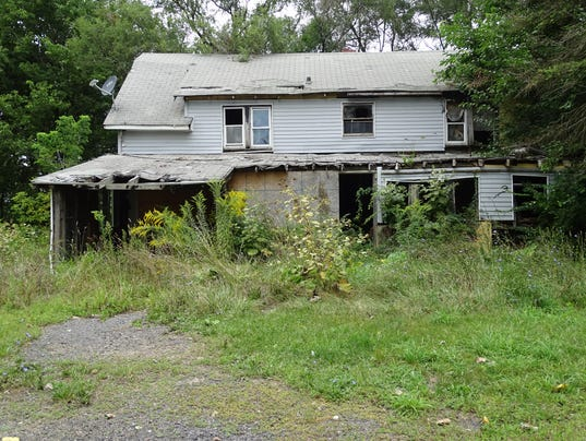 Tax-foreclosures-blighted-abandoned-homes-01.JPG